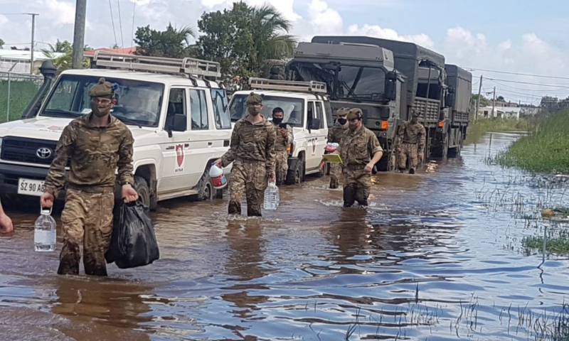 Soldiers support the local community in the wake of hurricane Eta.