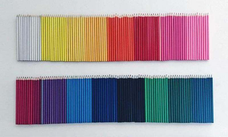 Colours of the spectrum HB pencils