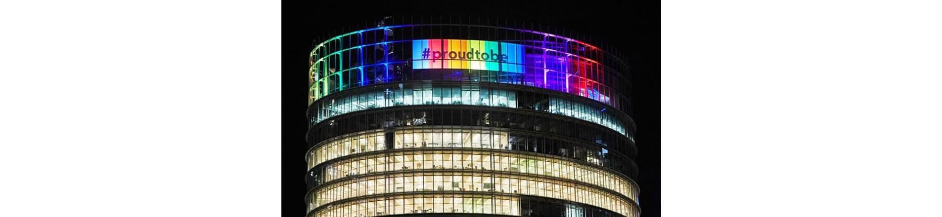 Exterior view of the illuminated Bloomberg Sydney rooftop celebrating Bloomberg's addition to the AWEI.